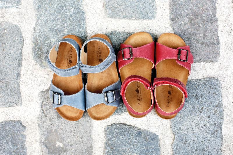 Offene Hausschuhe: Sandalen für Kinder