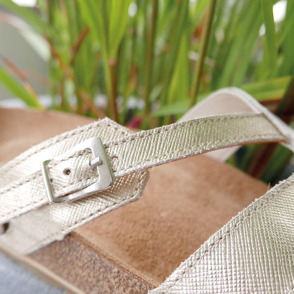 Zehentrenner mit Fußbett